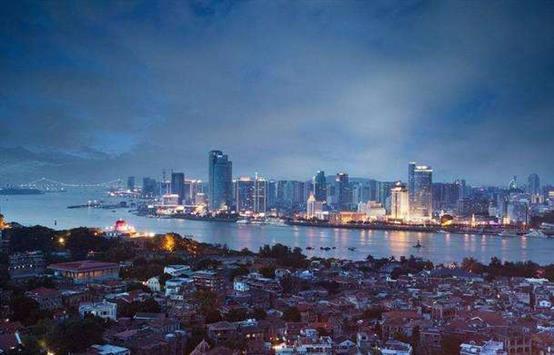 其城市性质为我国经济特区,东南沿海重要中心城,港口及风景旅游城市.